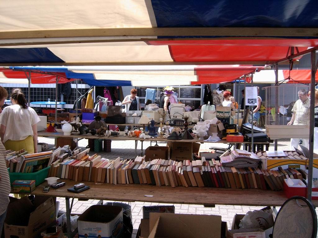 2005 - Rommelmarkt, 26-06 024.jpg