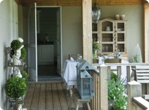 La-terrasse-couverte-de-la-maison_carrousel_gallery