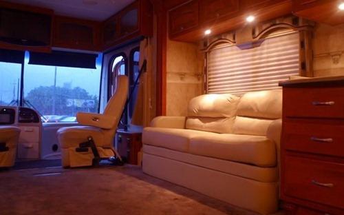 Ônibus de luxo alugado para festas