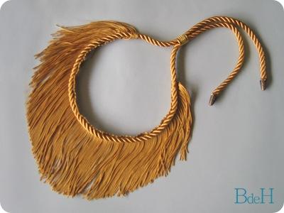 Collar Flecos1