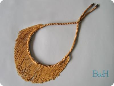 Collar Flecos2