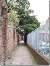 St Georges Churchyard Gardens - Marshalsea Prison 2
