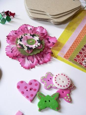 כפתורים ופרח עבודת יד