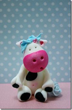 cute-food-fondant-cow