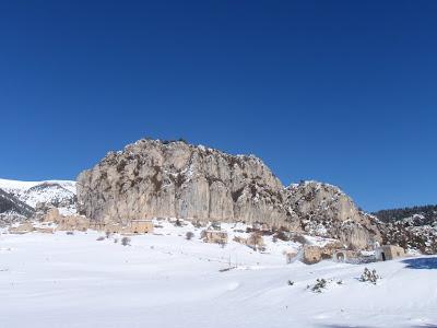 Roc i poble de Peguera