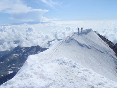 Petita cresta molt aèria a dalt al cim