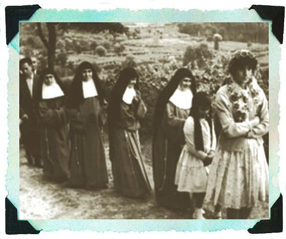 As monxas franciscanas foron as primeiras en dirixir o colexio