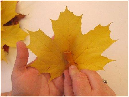 http://lh5.ggpht.com/_q6EEIoA3F3c/SpGIbe3-xLI/AAAAAAAAABo/CODbHuzlSHs/s512/art-origami-rose-from-mapple-leaf-04.jpg
