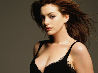 Beautiful-Woman-annehathawayblackbra.jpg