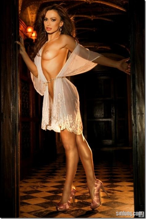 Karina-Smirnoff-Nude-3