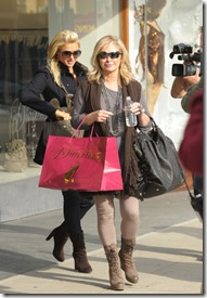 Paris Hilton Paris Hilton Mom Go Shopping OslWC30eRaBl