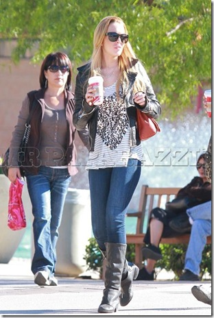 Lindsay Lohan-pics1211-blogbritneyspears1