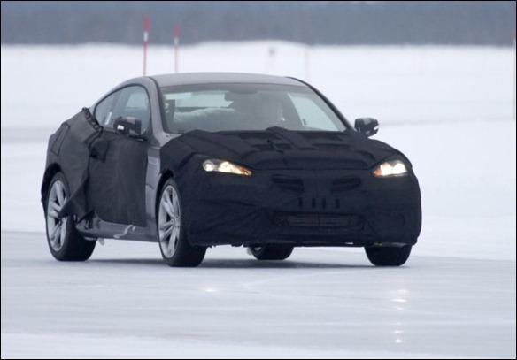 Hyundai Genesis Coupé reestilizado é flagrado na neve