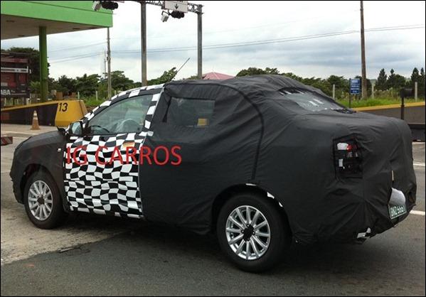 Chevrolet Cobalt (ex-GSV) é flagrado em SP