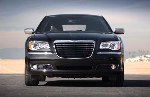 Chrysler 300 chega ao Brasil em agosto