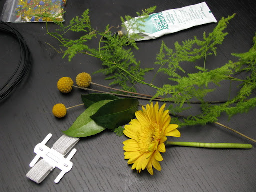 теория флористики, мастер-класс браслета из цветов