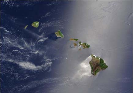 ig21 above hawaii 02 14 Most Amazing Satellite Pictures You'll Ever Seen Before