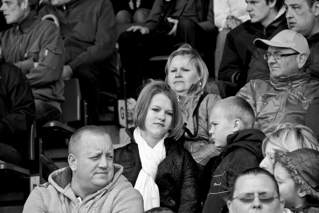 NC at Truckfest 2010 - Look off... - 154_crowds