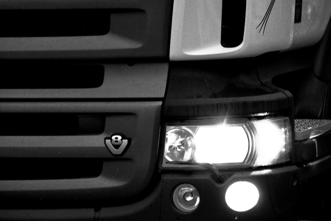 NC at Truckfest 2010 - Shine a light. - 285_Scanny_lights