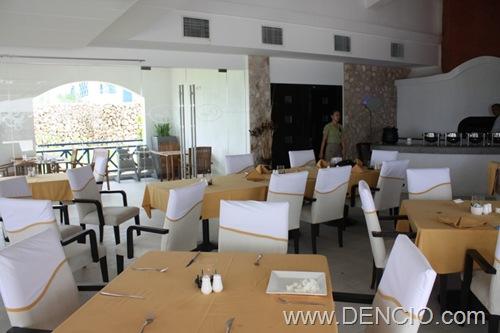 Olive's Restaurant Poro Point04