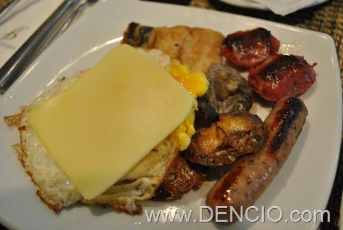 Bellevue Breakfast 36