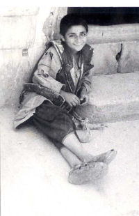 2.Jongetje in Tabriz, Iran, toen nog Perzië_small.jpg