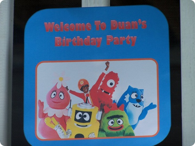 Yo Gabba Gabba Party Door Sign