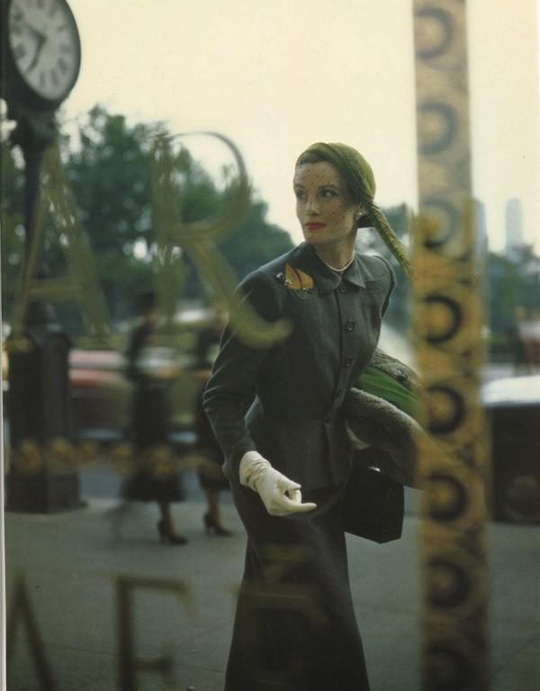 Norman Parkinson - Wenda Parkinson (née Rogerson), 1949.jpg