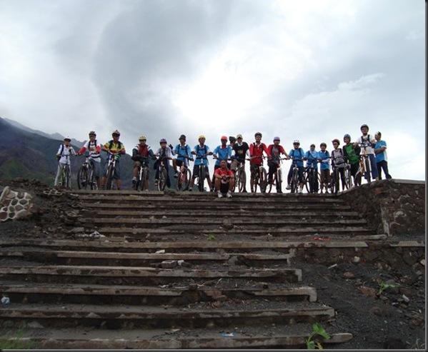 Sepeda Wisata Kali gendol lava tour 2011