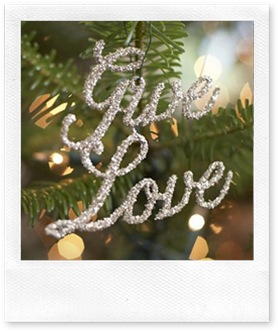 1_give love christmas ornament