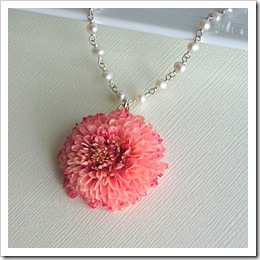 Real Daisy Mum Necklace by MCStoneworks on Etsy