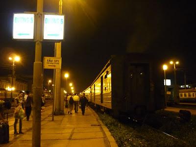 Gare de Hanoi, départ du train de nuit