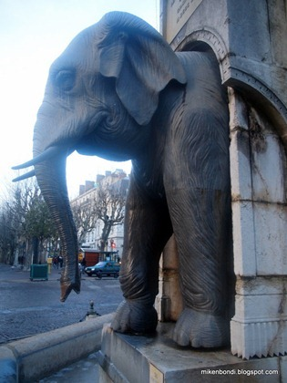 Fontaine des Éléphants