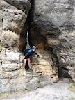 Fajnie musi się chodzić w takim labiryncie skał, ale to raczej bez rowerków już.