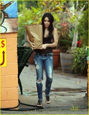 vanessa-hudgens-black-beanie-beauty-24