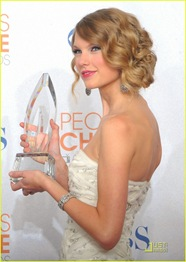 taylor-swift-peoples-choice-2010-19