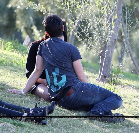 Beso de joe Jonas y Demi Lovato