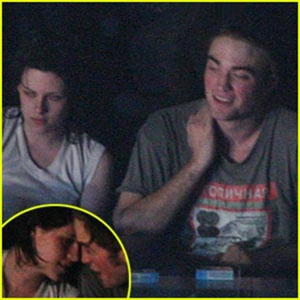 robert-pattinson-kristen-stewart-concert-couple
