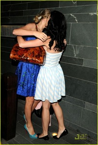 taylor-swiift-katy-perry-dinner-05
