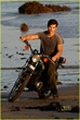 taylor-lautner-rolling-stone-photo-shoot-05