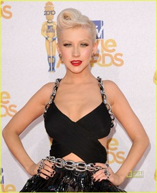 christina-aguilera-mtv-movie-awards-2010-03