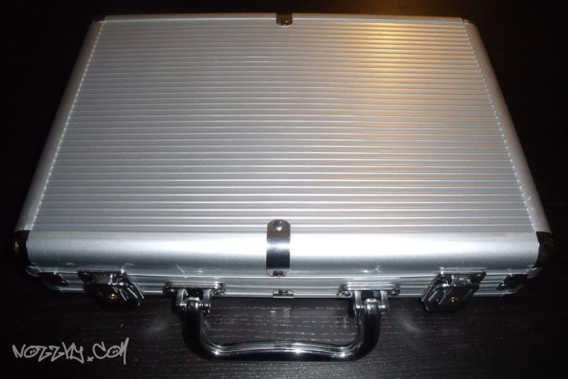 Réception de la mystérieuse valise