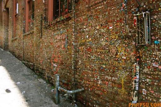 gum_wall_a_640_09.jpg