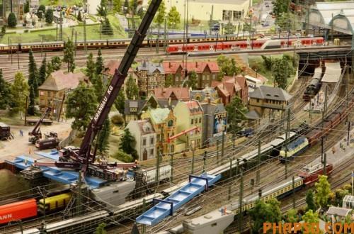 model-train-set-g05-500x330.jpg