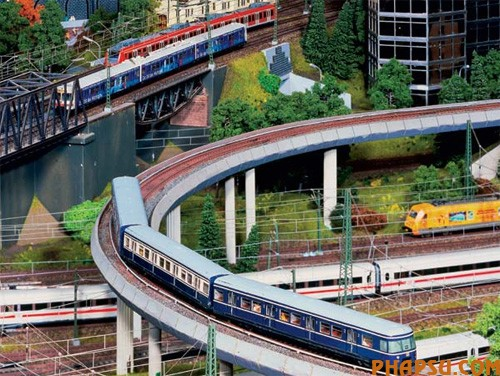 model-train-set-ha08.jpg
