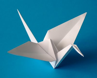 746px Origami crane اشكال بالورق.اعمال فنية.اشغال يدوية.ورق .زينة.اوروجامي.طي الورق2014