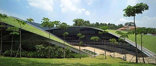 amazing-green-roof-art-school-in-singapore-by-ali-kriscenski