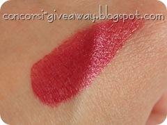 Giveaway-miss-broadway-premio3-lipstick-rossetto-amarena-swatch-1