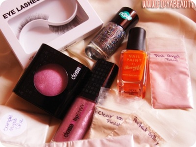 giveaway-fidya-beauty-make-up-debby-barry-m-essence-h&m-make-up-minerale