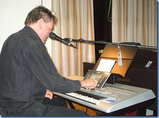 Guest artist Murray Hancox playing the pre-release verson of the latest Yamaha Tyros 4